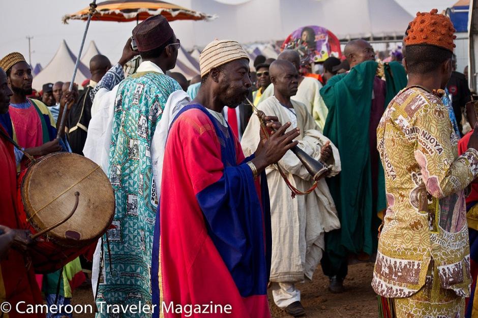 Les grios annoncent l'arrivée du sultan