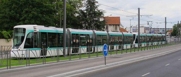 1024px-Tramway_Bezons_13_aout_2012