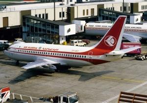 Air_Algerie_Boeing_737-200_Rees-3